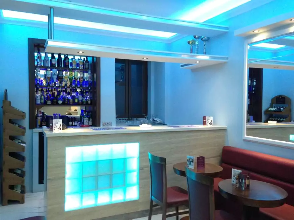 Grand Harbour hotel bar
